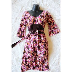 Laundry by Shelli Segal   70's style floral dress
